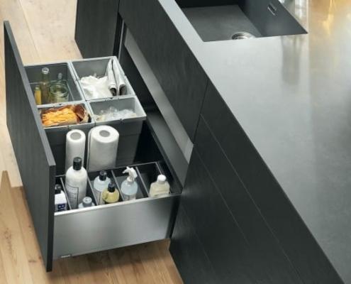 7 دلیل برای در نظر گرفتن فضا برای سطل زباله داخل کابینت